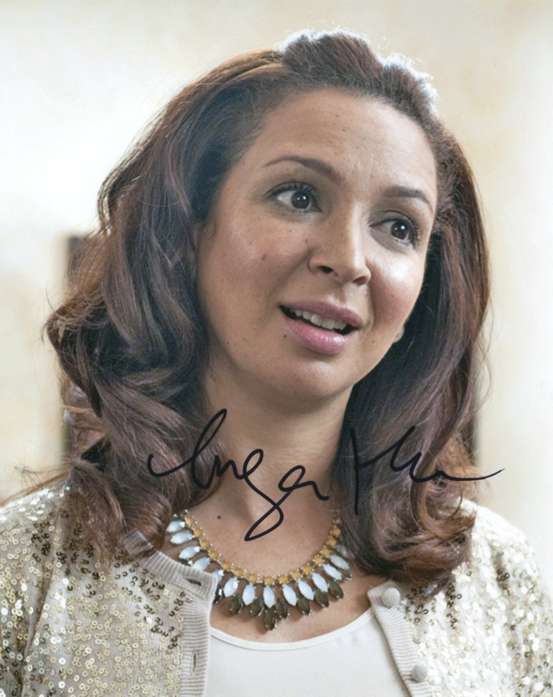 Maya Rudolph Autographed Signed Nice Necklace Photo