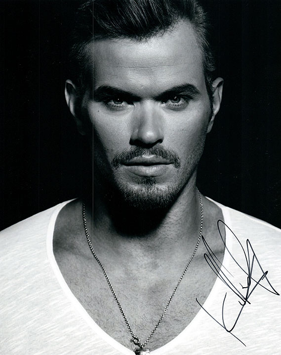 Kellan Lutz Twilight Signed Autographed Photo UACC RD AFTAL RACC TS