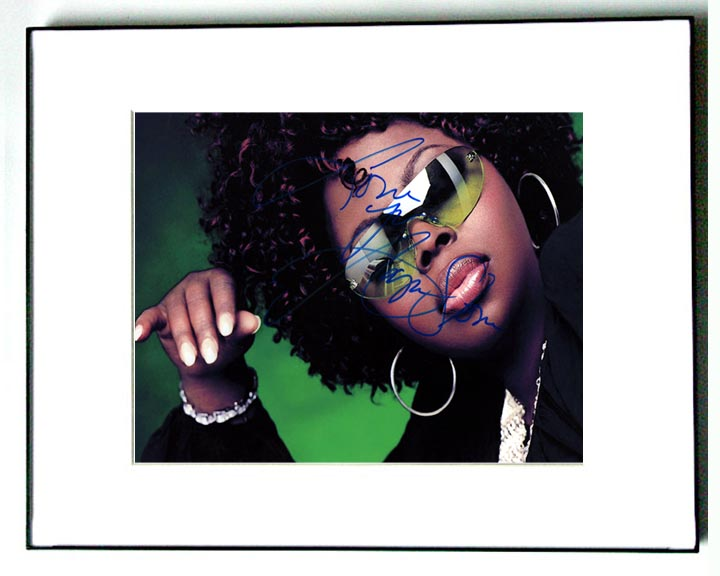 Angie Stone Autographed Signed Diva Photo   AFTAL